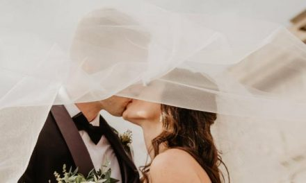 6 Useful Tips To Cut Your Wedding Costs